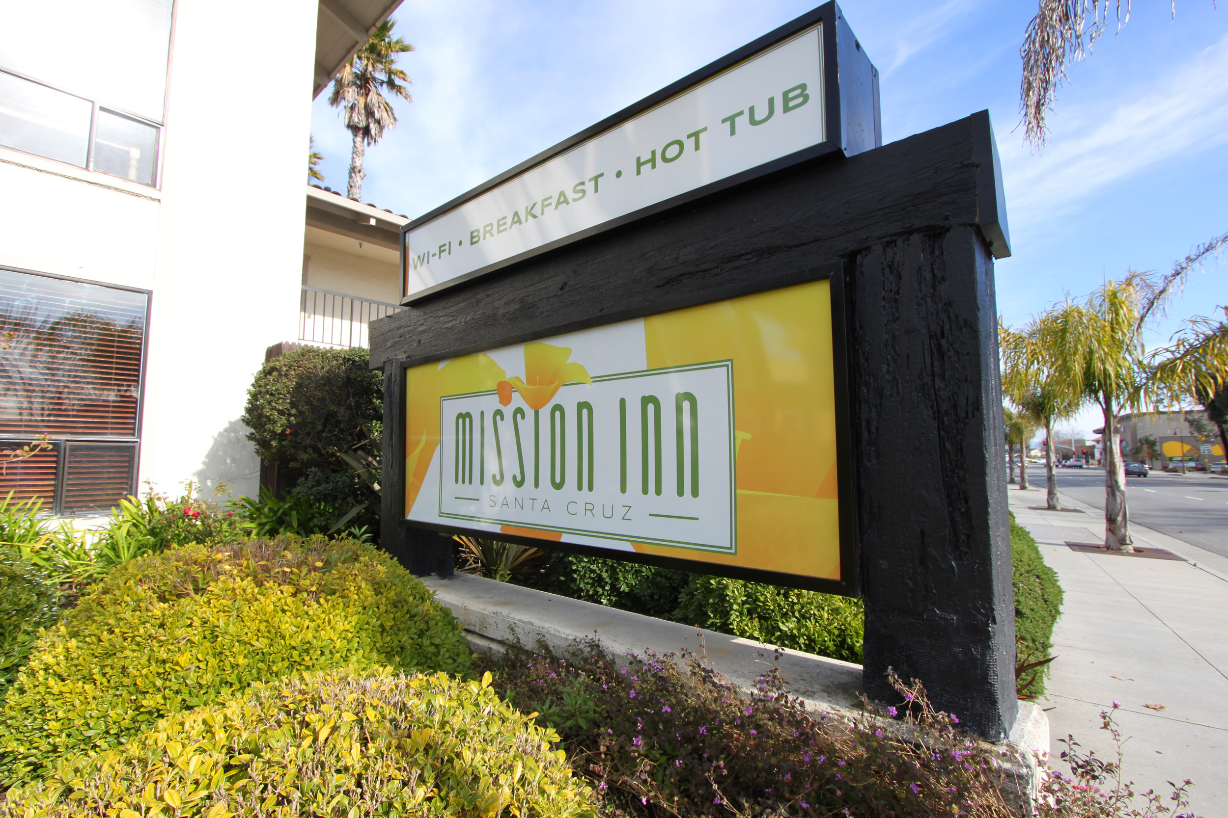 Mission Inn - front sign